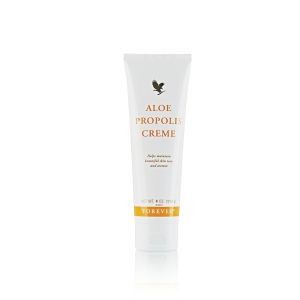 1440191034977Aloe-Propolis-Cream-Isolated